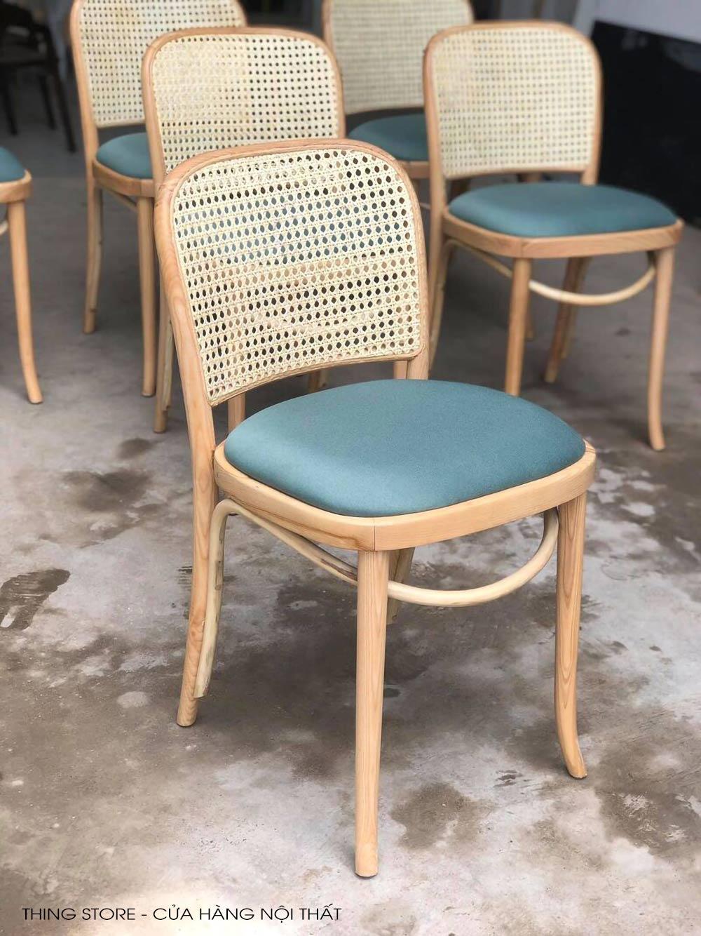 thonet 811 chair in da nang